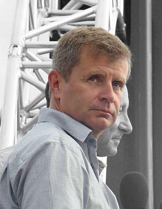 Steve Jones (aviator) - Steve Jones racing in Perth