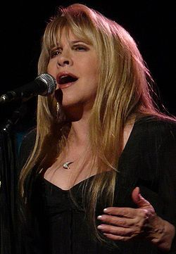 Stevie Nicks under en konsert 2009.