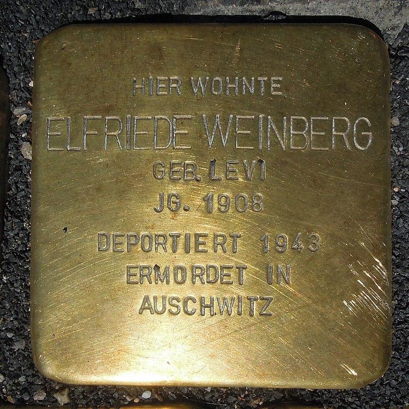 Stolperstein Olsberg Bigge Hauptstraße 33 Elfriede Weinberg geb Levi.JPG