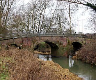 River Itchen, Warwickshire - Bridge carrying a minor road over the River Itchen near Long Itchington