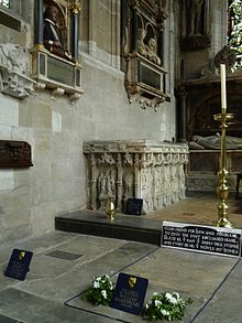 Shakespeares Grabstätte in der Holy Trinity Church (Quelle: Wikimedia)