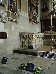 Shakespeares Grabstätte in der Holy Trinity Church (Quelle: Wikimedia)
