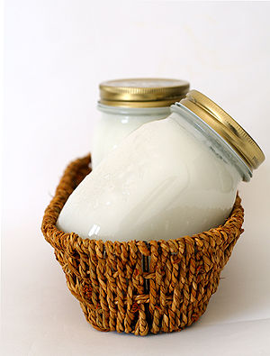 Shortening - Strutto, or clarified pork fat, a type of shortening common in Italy and Corsica (where it is named sdruttu)