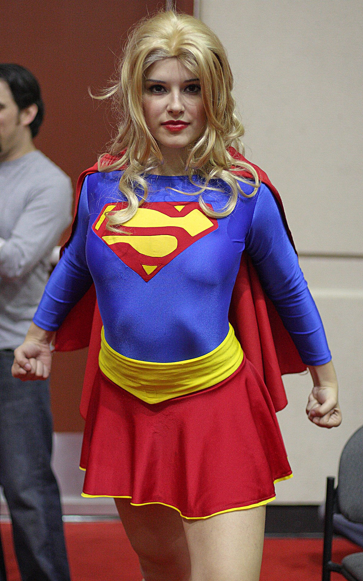 Bestand:Supergirl cosplay.jpg - Wikipedia