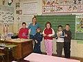 Tanító a diákjaival.jpg