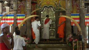 File:Temple of the Tooth Kandy.webm