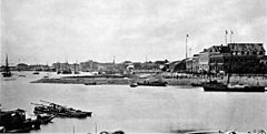 The Bund in front of the British concession in 1869, Shanghai.jpg