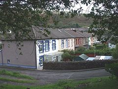 Thomas's Place, Ynyshir - geograph.org.uk - 952420.jpg