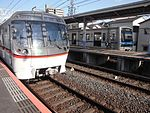 Toei 5300 series at Keisei-Takasago.jpg