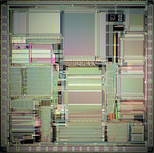 R8000 - R8000 die photo