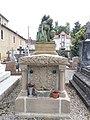 Tournay - Cimetière - Caveau famille Raynaud.jpg