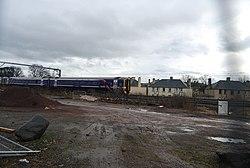 Train passing through Balgreen (geograph 2381808).jpg