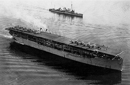 米海軍初の空母、USSラングレー。