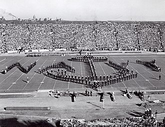 1949 Wisconsin Badgers football team - UW Band Greets Navy fans