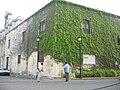 Una quinceañera se toma sus fotos en la zona colonial Santo Domingo, Rep. Dominicana.jpg