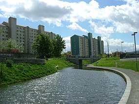 Union Canal, Wester Hailes in 2004.jpg
