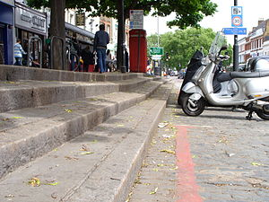 Upper Street - High pavement, Upper Street