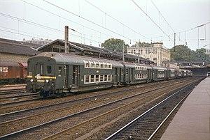 Voiture État à 2 étages - A train made of Voiture État à 2 étages at Pont-Cardinet in 1982.