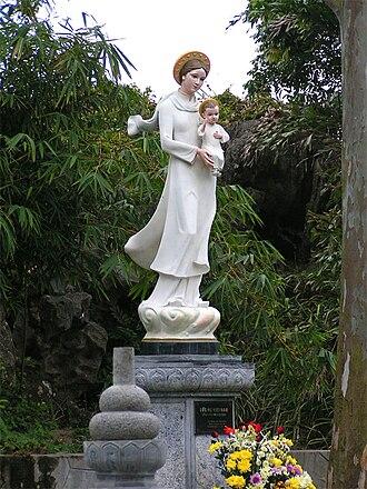 Áo dài - Our Lady, Phat Diem Cathedral