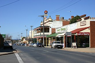 Rutherglen, Victoria - The heritage listed Victoria Hotel in Main Street