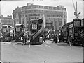 Victoria bus station in London in 1927.jpg
