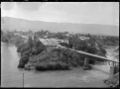 View of Cromwell looking across the Clutha River, 1926 ATLIB 299395.png