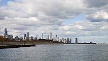 Vista del Skyline de Chicago desde Burnham Park, Illinois, Estados Unidos, 2012-10-20, DD 03.jpg