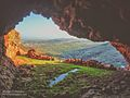 Vue de l'interrieur de la caverne.jpg