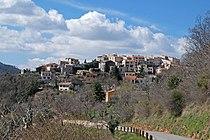 Vue sur le village de Revest-les-Roches en allant vers Bonson.JPG