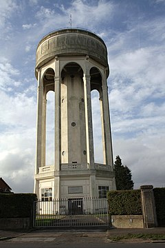 Water tower, Park Lane - geograph.org.uk - 2713746.jpg