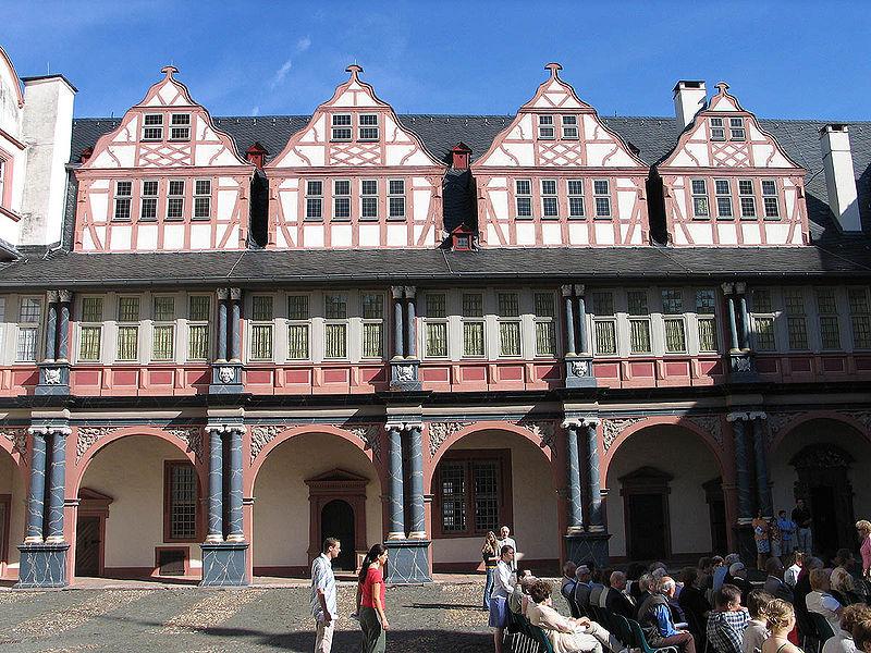 File:Weilburg Lahn Schloss.jpg