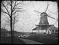 Westerplantsoen, Frederik Haverkamp (1799-1871), scheepsbouwer, gezien naarbovenkruier-houtzaagmolen 'het Klaverblad', gebouwd in 1841, 1860-1863 (max res).jpg