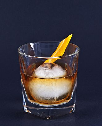 Old Fashioned - Image: Whiskey Old Fashioned 1