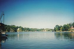 Williamstown Lake, View of main dam area, Taken by Ally Hilgefort, 2005.jpg