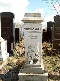 Wittmann Viktor sírja.jpg