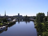 Worcester Cathedral and river Severn - geograph.org.uk - 5687.jpg