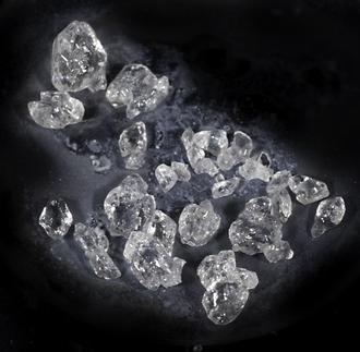 Xenon difluoride - Image: Xe F2 kristalle