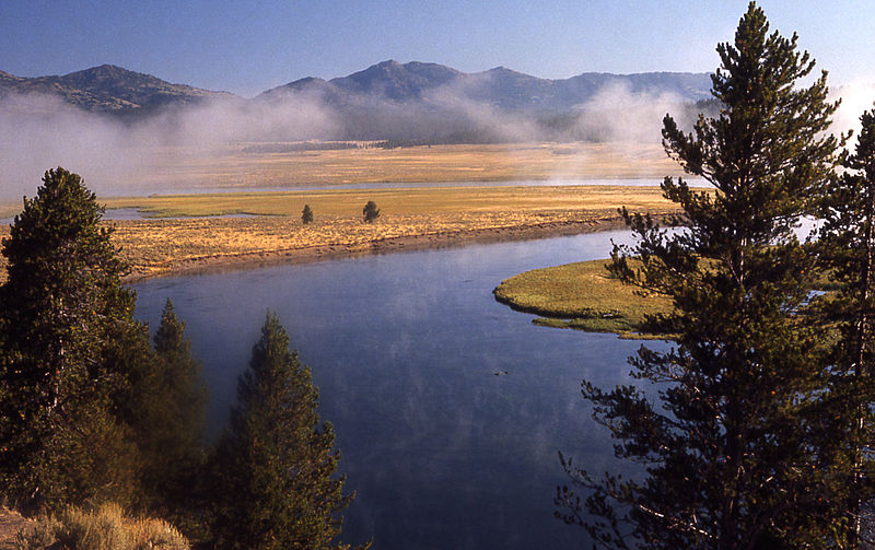 Archivo:Yellowstonesteam.jpg