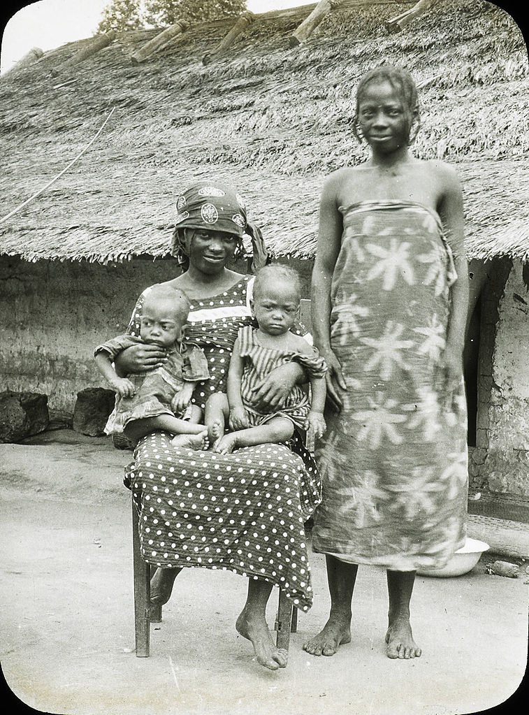 File Young Women And Children Congo Ca 1900 1915 Imp