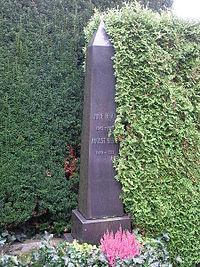 Zürich Friedhof Sihlfeld Bebel 2.JPG