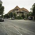Zicht op de voorgevel en de rechter zijgevel - Eindhoven - 20388775 - RCE.jpg