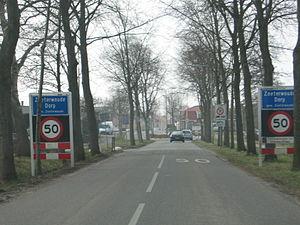 Zoeterwoude-Dorp - Eastern entrance to Zoeterwoude-Dorp, from the Nieuwe Weg