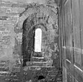 Zuidgevel, binnenkant gevonden venstertje - Stiens - 20205962 - RCE.jpg