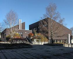 Ökumenisches Kirchenzentrum Parkstadt Solln SW.jpg