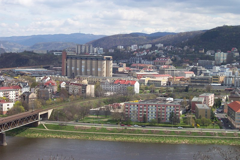 usti nad labem lesbian personals Travel and accommodation welcome we have stayed there ourselves and can confirm this is by far the best hotel in usti singles are around € usti nad labem.