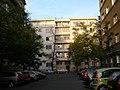 Činžovní dům - trojdům (Žižkov), Praha 3, Radhošťská 20, Žižkov - pohled z kolmé ulice.JPG