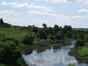 Kashinsky District - The Kashinka River in the village of Bezguzovo.