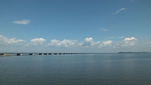 Владивосток мост на Де-Фриз.JPG