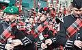 Волынщики маршируют на параде в день Святого Патрика в Саути (Южный Бостон).jpg