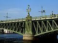 Фонарь на Троицком мосту.jpg